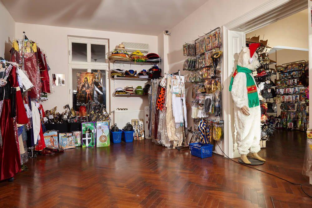 Magazin interior trei